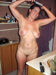 Gorgeous naked mommy with..