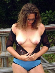 Naked and beautiful middle-aged girls, amateur pics