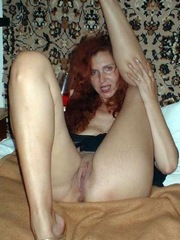 Perky redhead curvy show her..