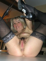 Blonde mature woman show her..