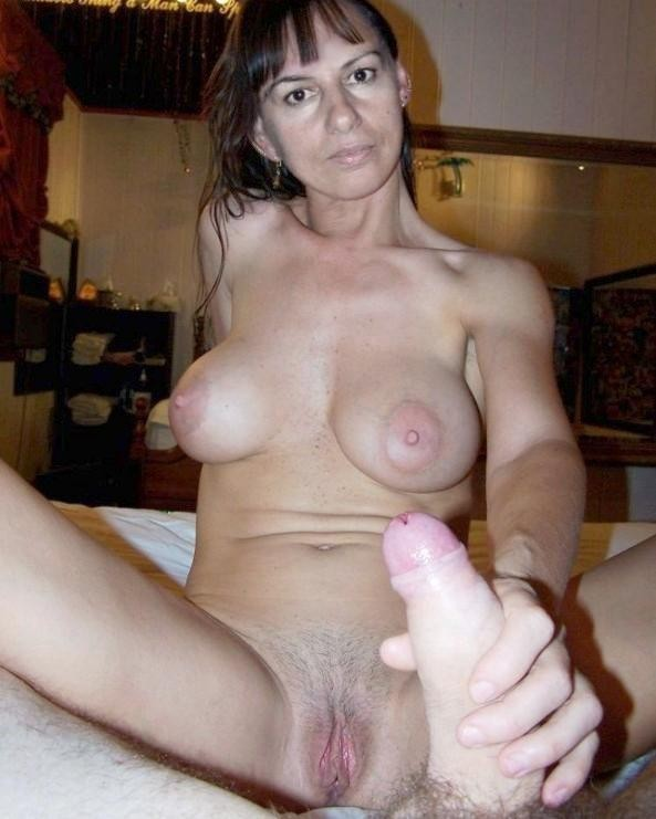 Mature amateur wife submitted nudes