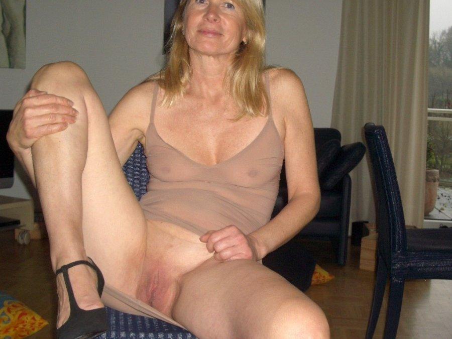 Suspension female bondage vids