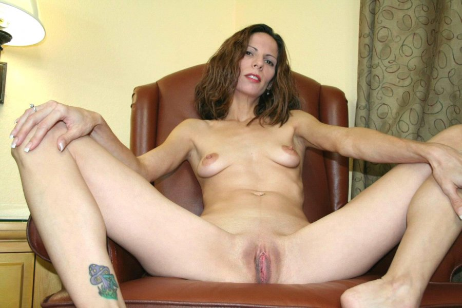 image Single mom ass up bj