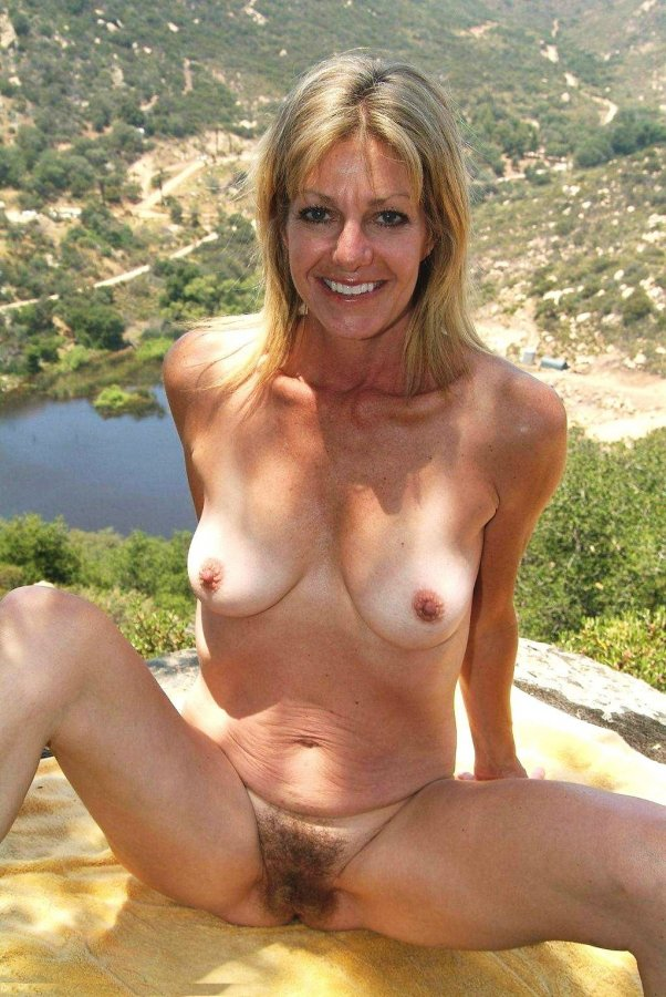 son beach Naked mom