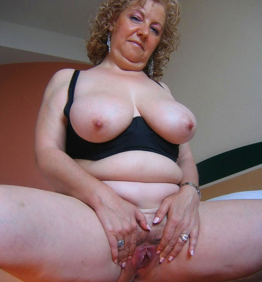 Pussy porn mom