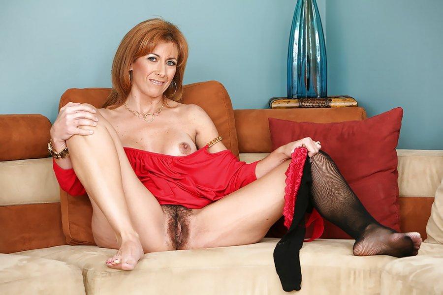 nude big girl siri