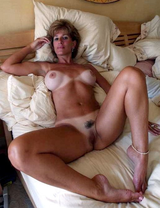 secret mom nude pictures